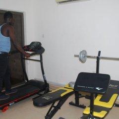 Ampomaah Hotel фитнесс-зал
