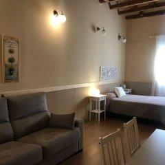 Отель Apartamentos Duque De Alba Мадрид комната для гостей фото 2