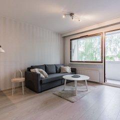 Апартаменты Local Nordic Apartments - Polar Bear Ювяскюля комната для гостей фото 4
