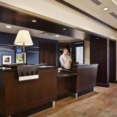 Отель Hampton Inn by Hilton Toronto Airport Corporate Centre Канада, Торонто - отзывы, цены и фото номеров - забронировать отель Hampton Inn by Hilton Toronto Airport Corporate Centre онлайн интерьер отеля фото 2