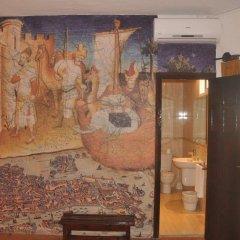 Отель Hostal Temático El Cid Испания, Фуэнхирола - отзывы, цены и фото номеров - забронировать отель Hostal Temático El Cid онлайн комната для гостей фото 2