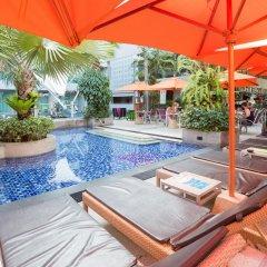 Отель The Kee Resort & Spa бассейн