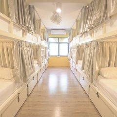 Bharani Hostel Бангкок комната для гостей фото 5