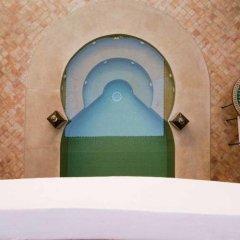 Отель Dar Alif сейф в номере