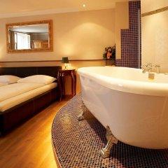Отель Altstadthotel Kasererbräu Австрия, Зальцбург - 3 отзыва об отеле, цены и фото номеров - забронировать отель Altstadthotel Kasererbräu онлайн ванная