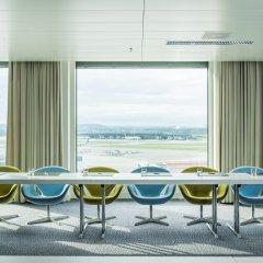 Отель Radisson Blu Hotel Zurich Airport Швейцария, Цюрих - 1 отзыв об отеле, цены и фото номеров - забронировать отель Radisson Blu Hotel Zurich Airport онлайн балкон