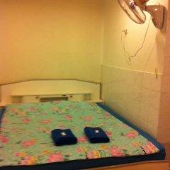 Отель Miggy Guest House Adults Only Бангкок удобства в номере