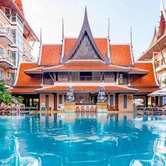 Отель Nipa Resort бассейн