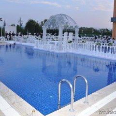 Holiday Inn Bursa Турция, Улудаг - отзывы, цены и фото номеров - забронировать отель Holiday Inn Bursa онлайн бассейн фото 2