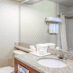 Отель Ramada by Wyndham Chatsworth США, Лос-Анджелес - отзывы, цены и фото номеров - забронировать отель Ramada by Wyndham Chatsworth онлайн ванная фото 2