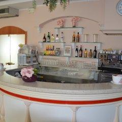 Отель Carolin Италия, Римини - 1 отзыв об отеле, цены и фото номеров - забронировать отель Carolin онлайн гостиничный бар