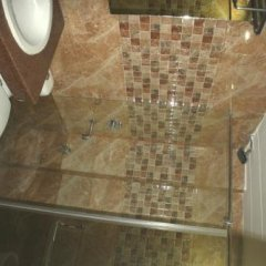 Hotel Le Central in Haridwar, India from 38$, photos, reviews - zenhotels.com bathroom