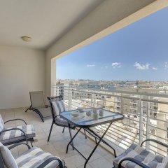 Отель Luxury Apartment inc Pool & Views Мальта, Слима - отзывы, цены и фото номеров - забронировать отель Luxury Apartment inc Pool & Views онлайн балкон
