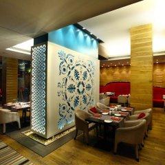 Graffit Gallery Design Hotel интерьер отеля