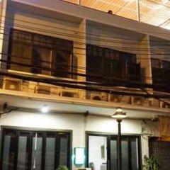 Krit Hostel Бангкок вид на фасад