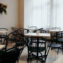 Отель Riess City Hotel Австрия, Вена - 4 отзыва об отеле, цены и фото номеров - забронировать отель Riess City Hotel онлайн питание фото 2