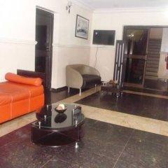 Отель Scholet Suites Нигерия, Калабар - отзывы, цены и фото номеров - забронировать отель Scholet Suites онлайн городской автобус