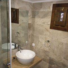 Old Town Hotel Kalkan Турция, Калкан - отзывы, цены и фото номеров - забронировать отель Old Town Hotel Kalkan - Adults Only онлайн ванная фото 2
