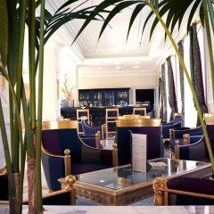 Отель Grand Visconti Palace Италия, Милан - 12 отзывов об отеле, цены и фото номеров - забронировать отель Grand Visconti Palace онлайн гостиничный бар