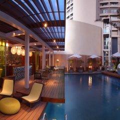 Отель The Park New Delhi бассейн