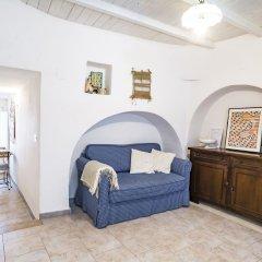 Отель Il Trullo degli Arazzi Альберобелло комната для гостей фото 2