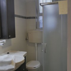 Allenby 2 Bed and Breakfast Израиль, Иерусалим - отзывы, цены и фото номеров - забронировать отель Allenby 2 Bed and Breakfast онлайн ванная фото 2