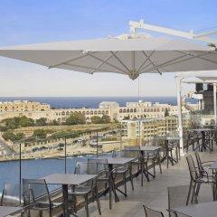 Отель Holiday Inn Express Malta Мальта, Сан Джулианс - отзывы, цены и фото номеров - забронировать отель Holiday Inn Express Malta онлайн бассейн
