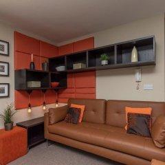 Отель Lovely 2 Bed Flat - Airport/piccadilly Friendly комната для гостей фото 2