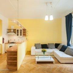Апартаменты Central Apartment With Netflix Subscription 2 Bedroom Apts Прага комната для гостей фото 3