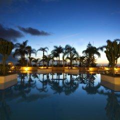 Costa Adeje Gran Hotel бассейн