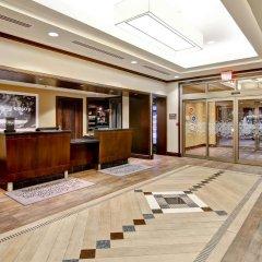 Отель Hampton Inn by Hilton Toronto Airport Corporate Centre Канада, Торонто - отзывы, цены и фото номеров - забронировать отель Hampton Inn by Hilton Toronto Airport Corporate Centre онлайн интерьер отеля