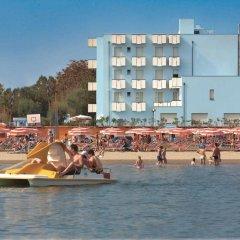 Отель Atlantic Италия, Римини - отзывы, цены и фото номеров - забронировать отель Atlantic онлайн пляж