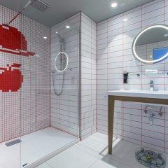 Отель Radisson RED Brussels 4* Стандартный номер с различными типами кроватей фото 21