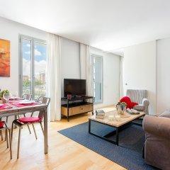 Отель 1 BR Rambla Suite & 2 Pools Rooftop Terrace Sea View - HOA 42152 Испания, Барселона - отзывы, цены и фото номеров - забронировать отель 1 BR Rambla Suite & 2 Pools Rooftop Terrace Sea View - HOA 42152 онлайн комната для гостей фото 5