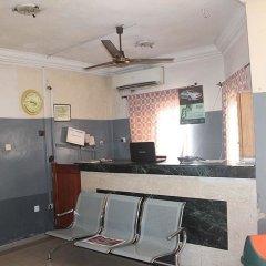 Отель Banilux Guest House Нигерия, Лагос - отзывы, цены и фото номеров - забронировать отель Banilux Guest House онлайн интерьер отеля фото 2