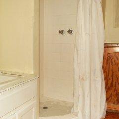 Отель Cottages Dead End Beach Road ванная