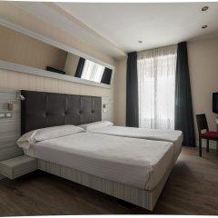 Отель Petit Palace Puerta del Sol комната для гостей фото 2