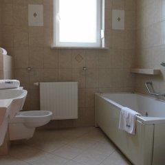 Отель Mats Польша, Познань - отзывы, цены и фото номеров - забронировать отель Mats онлайн ванная