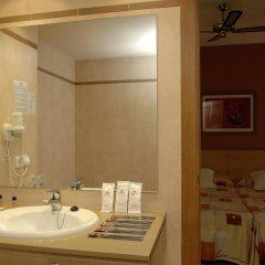 Отель Fiesta Hotel Tanit Испания, Сан-Антони-де-Портмань - отзывы, цены и фото номеров - забронировать отель Fiesta Hotel Tanit онлайн ванная