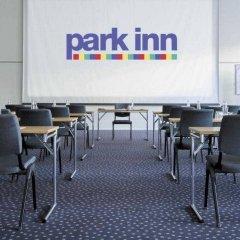 Отель Park Inn by Radisson Copenhagen Airport спортивное сооружение