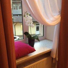 Lviv Euro hostel сейф в номере