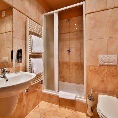 Отель Atlantic Hotel Чехия, Прага - 11 отзывов об отеле, цены и фото номеров - забронировать отель Atlantic Hotel онлайн ванная