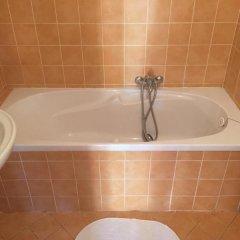Отель At the Golden Plough Apartments Чехия, Прага - отзывы, цены и фото номеров - забронировать отель At the Golden Plough Apartments онлайн ванная