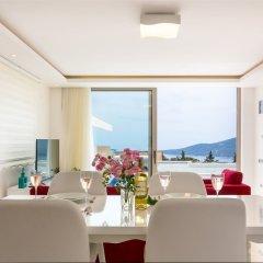 Villa Likapa 3 by Akdenizvillam Турция, Калкан - отзывы, цены и фото номеров - забронировать отель Villa Likapa 3 by Akdenizvillam онлайн комната для гостей фото 2