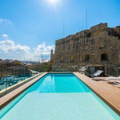 Отель Cugo Gran Macina Grand Harbour Мальта, Гранд-Харбор - отзывы, цены и фото номеров - забронировать отель Cugo Gran Macina Grand Harbour онлайн бассейн