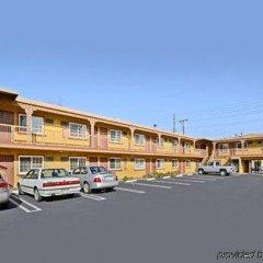 Отель Travelodge by Wyndham Rosemead США, Роузмид - отзывы, цены и фото номеров - забронировать отель Travelodge by Wyndham Rosemead онлайн парковка