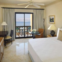 Отель Movenpick Resort and Spa Dead Sea Иордания, Сваймех - 1 отзыв об отеле, цены и фото номеров - забронировать отель Movenpick Resort and Spa Dead Sea онлайн комната для гостей фото 5