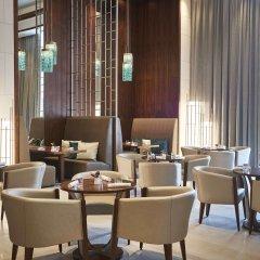 Отель Hilton Dubai Al Habtoor City гостиничный бар