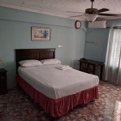 Отель Rockhampton Retreat Guest House сейф в номере