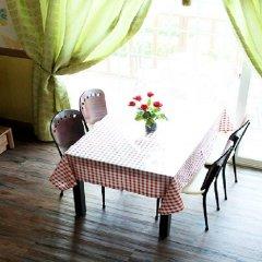 Отель Pyeongchang Sky Garden Pension Южная Корея, Пхёнчан - отзывы, цены и фото номеров - забронировать отель Pyeongchang Sky Garden Pension онлайн питание